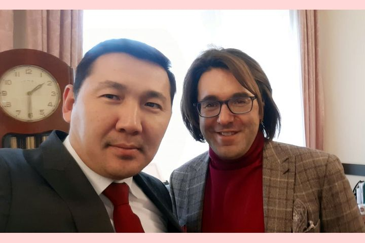 Андрей Малахов Орусиядагы Кыргызстандын элчилигине барыптыр. Эмнеге?