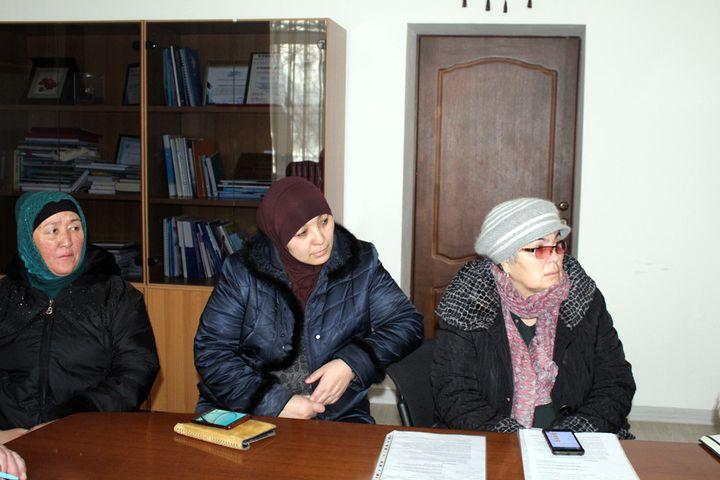 Сирия, Ирактагы кыздардын энелери аларды Кыргызстанга кайтарып берүүнү Акыйкатчыдан суранышты, болбосо…