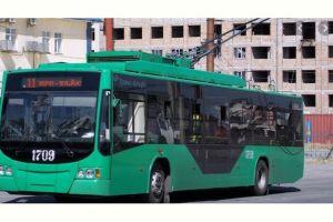11-майдан тартып троллейбус, автобус жүрөт. Айдоочулардын да, жүргүнчүлөрдүн да жол-жобосу айтылды. Жободо эмнелер жазылган?