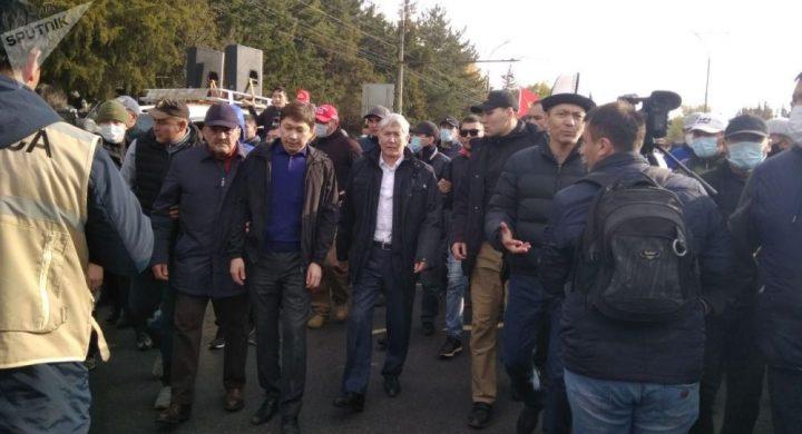 УКМК: «Алмазбек Атамбаев Кой-Таштагы үйүндө кармалды»
