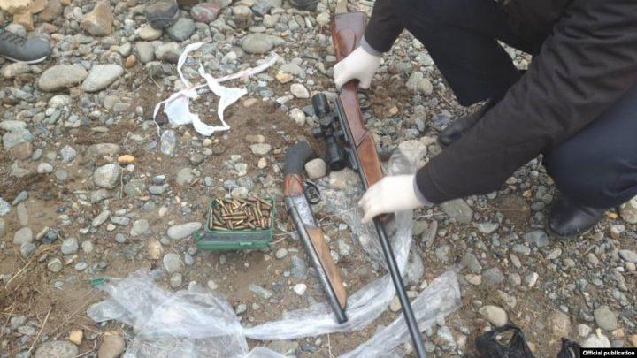 УКМК: «Кылмыштуу топтун 23 мүчөсүнүн жашаган жеринен курал-жарактар табылды»