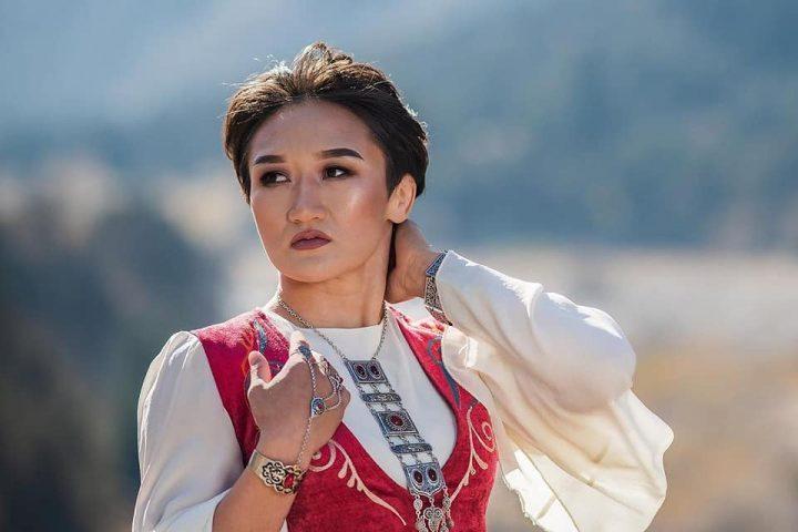Фото — Кыргызымдын сулуу кыздарынын бири —  Айсулуу Тыныбекова