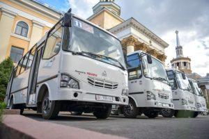 Күнболот МОМОКОНОВ: «Мэриянын жаӊы автобустары Бишкектин абасын булгайт экен да»