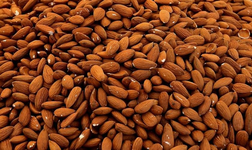فيتامين B17 بذور اللوز