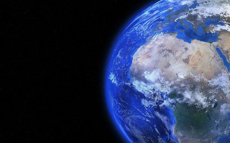 لماذا لا نلاحظ الشكل الحقيقي للأرض