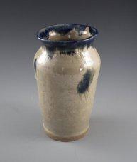 Cann-vase-640