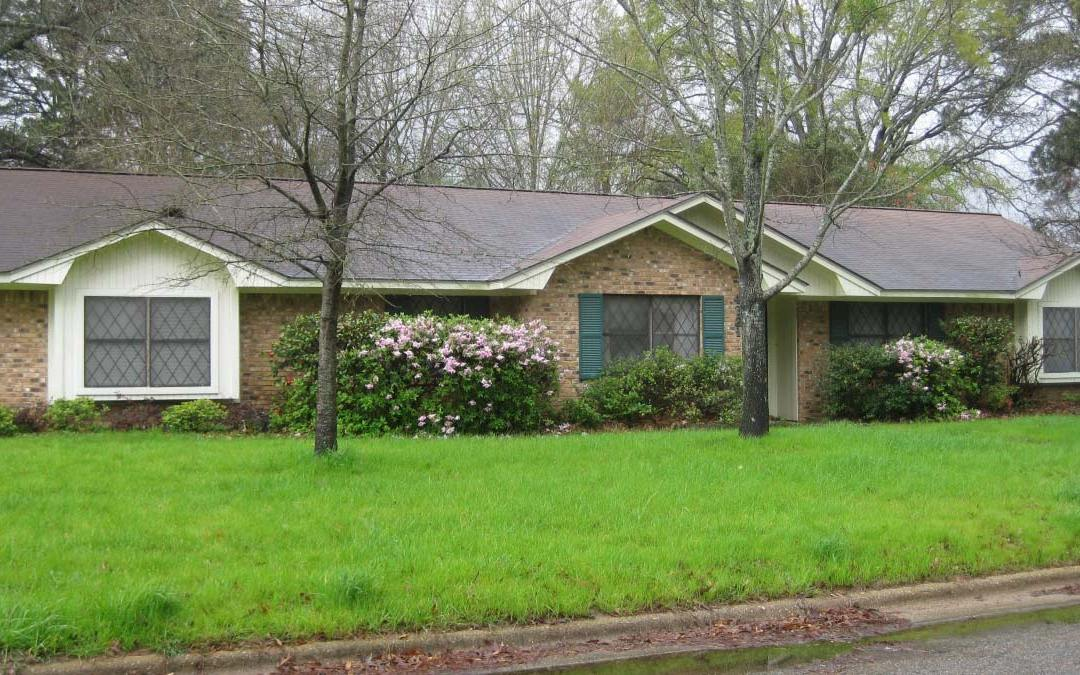 4321 RED OAK DR. – $155,500