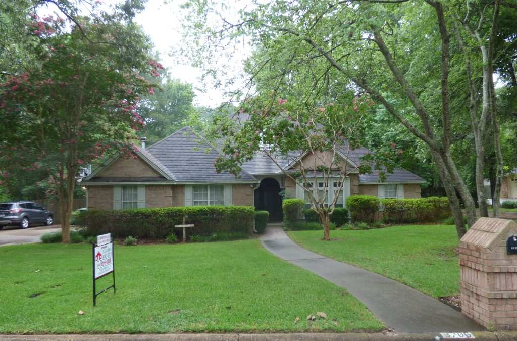 3706 CHEVY CHASE – $268,000 – MLS#2180640