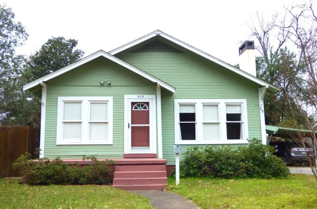 919 LOGANSPORT ST – $158,500 – MLS#2190128