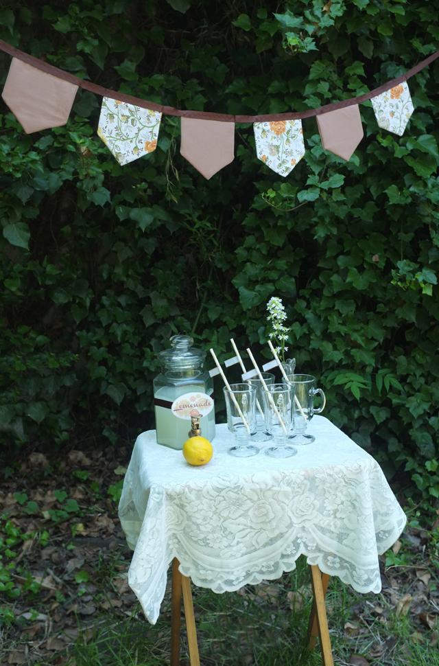 lemonade and garland