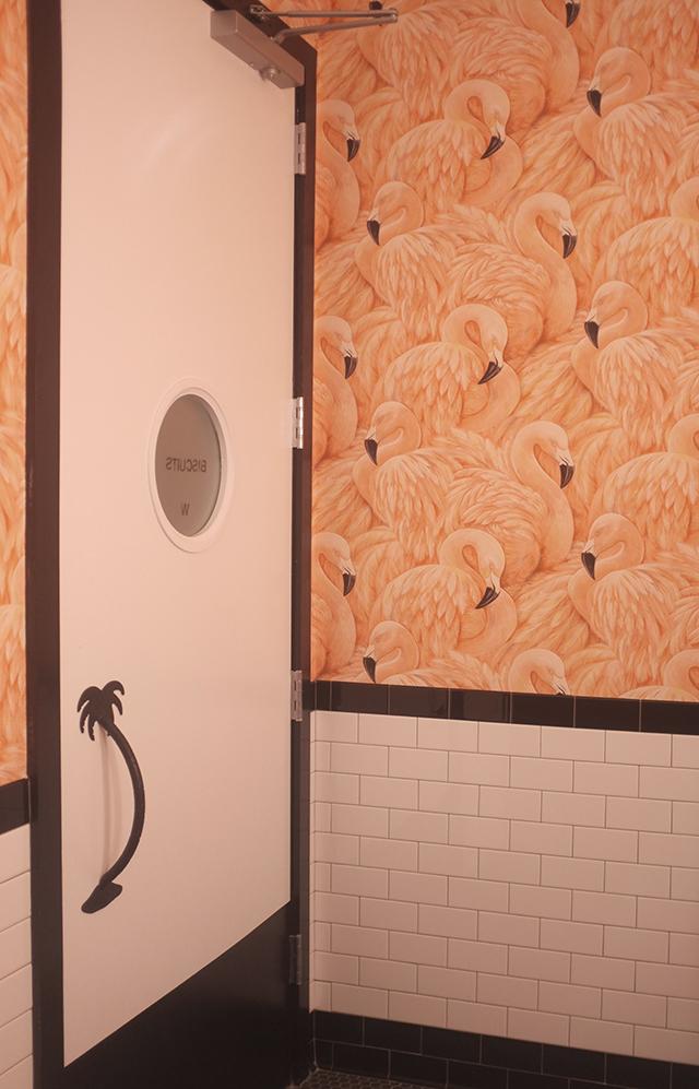 flamingo bathroom 2