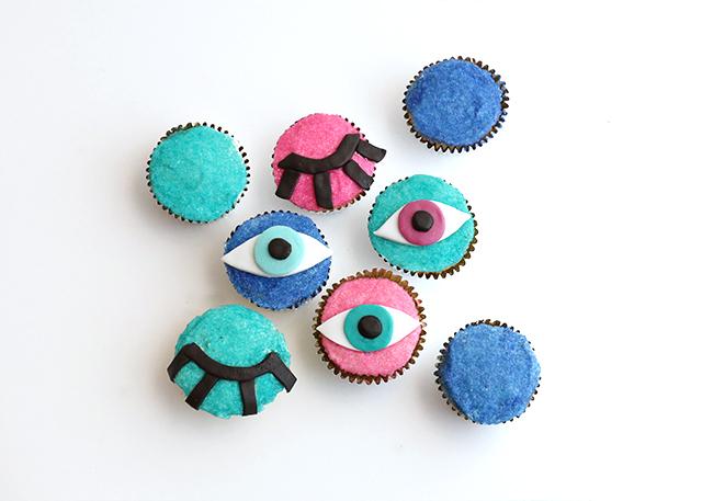 DIY Eye Wink Cupcakes