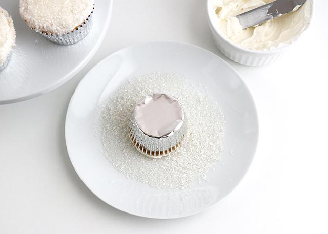 Snow Globe Cupcakes 2