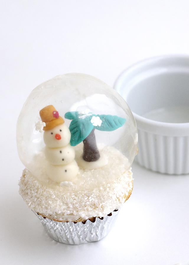 Snowman Globe Cupcake
