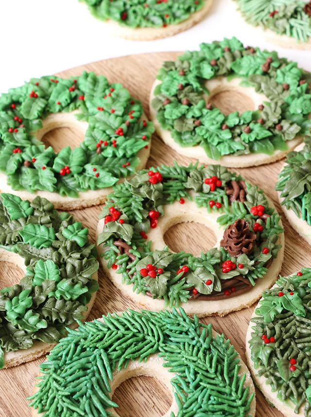 wreath-cookies-7-vertical_640