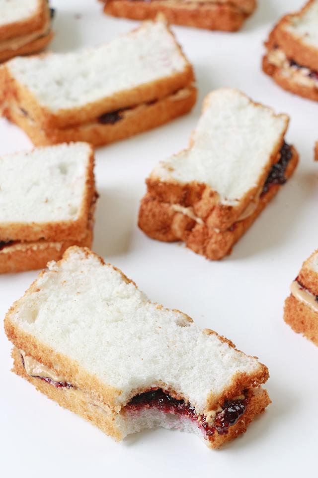 PBJ Sandwich Cakes