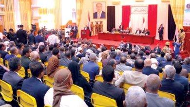 Photo of البرلمان يقول كلمته في إنقلاب عدن ويدعو لمراجعة العلاقات مع التحالف (نص البيان)