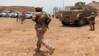 Photo of الإمارات تسلم معسكرات ونقاط عسكرية للجيش الوطني بحضرموت