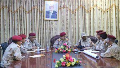 Photo of وزير الدفاع يترأس أول اجتماع عسكري بعد الاستهداف الاخير للجيش بمأرب