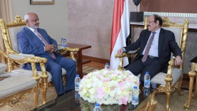 Photo of محافظ الحديدة يطلع نائب الرئيس على آخر المستجدات
