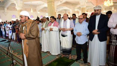 Photo of وزارة الأوقاف تعلن تعليق صلاة الجمعة والجماعة في المساجد احترازاً لمواجهة كورونا
