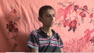 Photo of شاهد الفيديو : طفل يروي كيف استدرجته مليشيات الحوثي للقتال في صفوفها في جبهة نهم