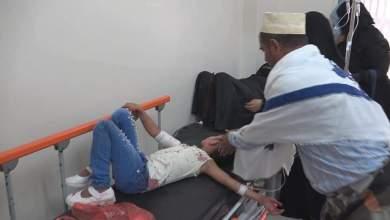 Photo of بالفيديو والصور : قذيفة حوثية تقتل إمرأة وتصيب 6 اخرين في حي البعرارة بتعز