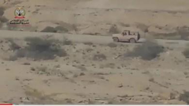 Photo of شاهد الفيديو : لحظة استهداف مدفعية الجيش لتجمعات المليشيات في جبهة باقم بصعدة