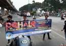 "Gaya Kelompok Motor Menebar ""Pahala"" di Jalan Raya"