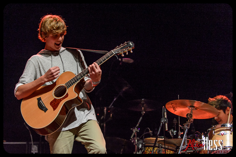 Cody Lovaas opens for Ziggy Marley during his Fly Rasta Tour