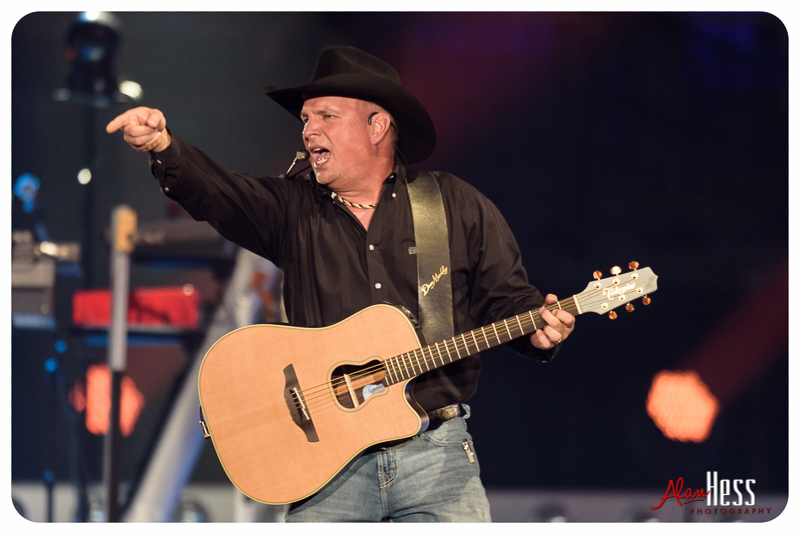 Garth Brooks takes over San Diego
