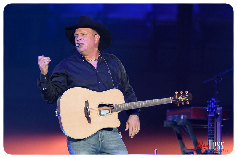 Garth_Brooks_San_Diego-15