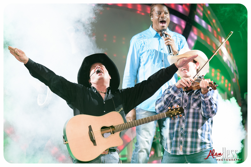 Garth_Brooks_San_Diego-8