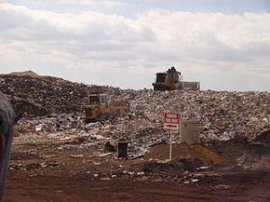 320px-Landfill_face[1]
