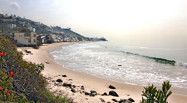 photo of beach homes along Malibu California