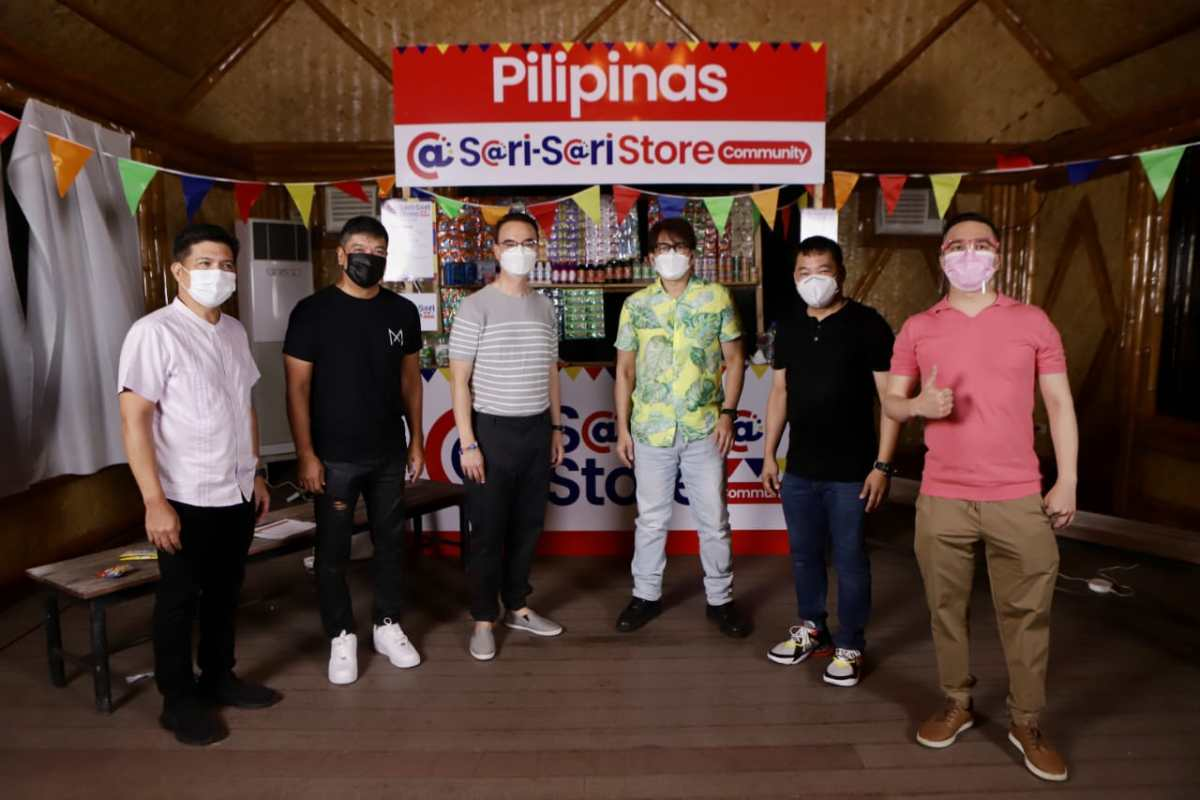 Alan Peter Cayetano with BTS members