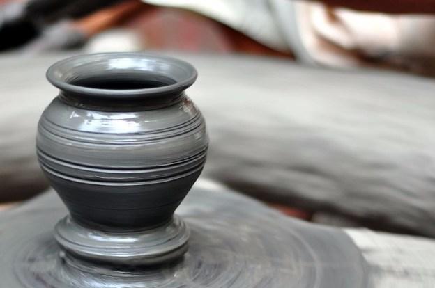 pot on potters wheel