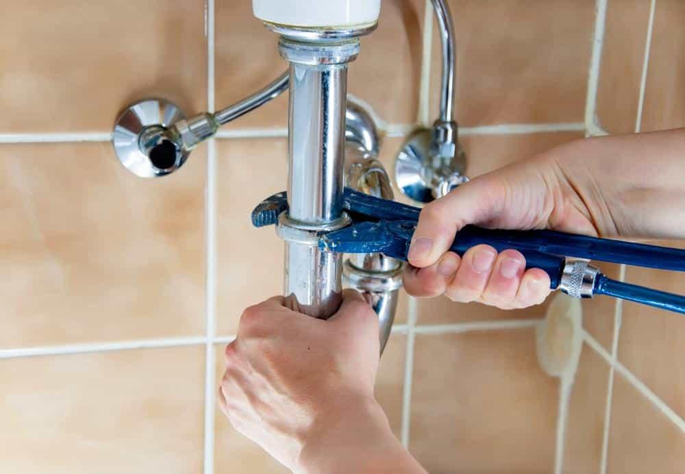 كشف تسربات المياه فحص وعلاجها النهائي