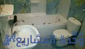تسربات المياه من كرسي الحمام