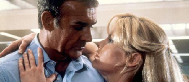 Sean Connery et Kim Basinger dans Jamais Plus Jamais (1983)