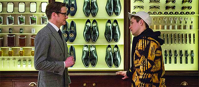 Colin Firth et Taron Egerton dans Kingsman : Services secrets (2015)