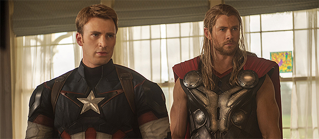 Chris Evans et Chris Hemsworth dans Avengers : l'ère d'Ultron (2015)