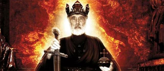 Christopher Lee sur la couverture de By the Sword and the Cross, album du groupe Charlemagne