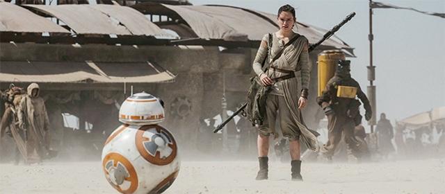 Daisy Ridley dans Star Wars Episode VII : Le Réveil de la Force (2015)