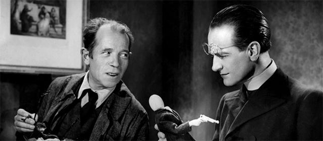 Pierre Larquey et Pierre Fresnay dans L'Assassin habite au 21 (1942)