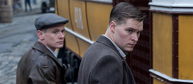 Jack O'Connell et Jack Raynor dans HHhH (2017)