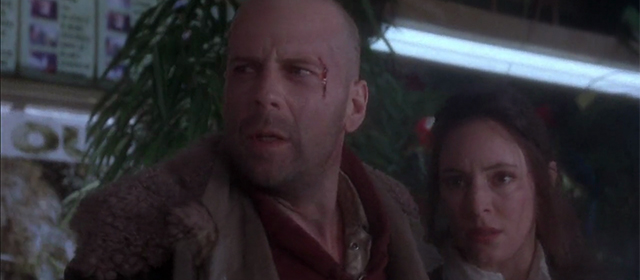 Bruce Willis et Madeleine Stowe dans L'Armée des 12 Singes (1995)
