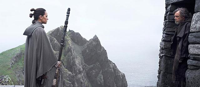 Daisy Ridley et Mark Hamill dans Star Wars Episode VIII : Les Derniers Jedi (2017)