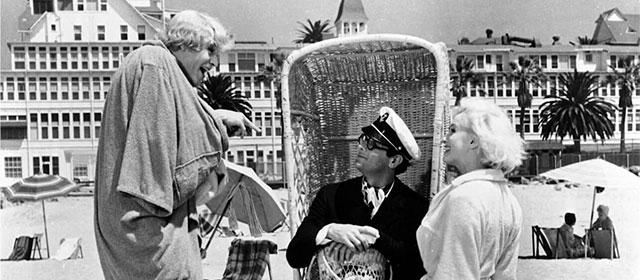 Jack Lemmon, Tony Curtis et Marilyn Monroe dans Certains l'aiment chaud (1959)