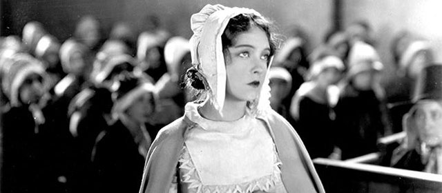 Lillian Gish dans La Lettre Écarlate (1926)